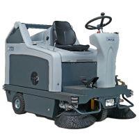 NILFISK SR 1301 駕駛式掃地機