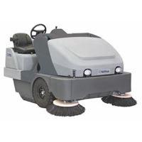 NILFISK SR1900 駕駛式掃地機
